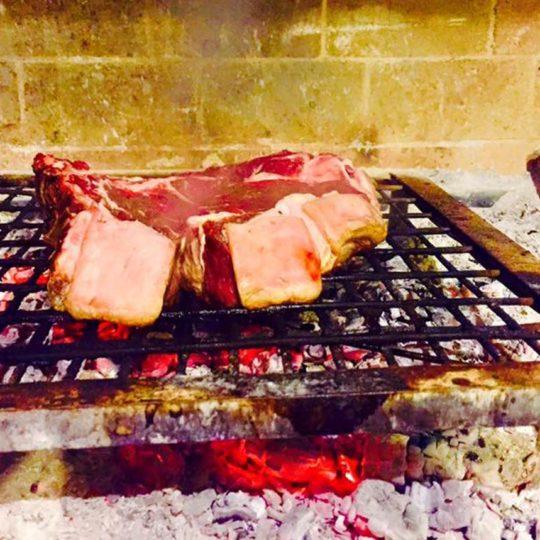 http://www.molenda.it/wp-content/uploads/2016/08/01-Macome-ristorante-540x540.jpg
